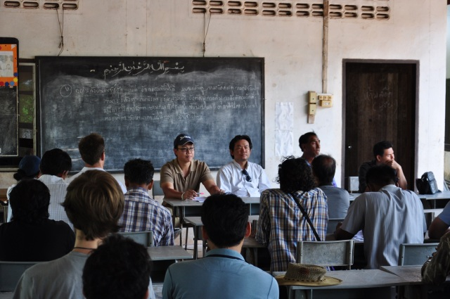 2 - Mak Noi_Community Meeting_2